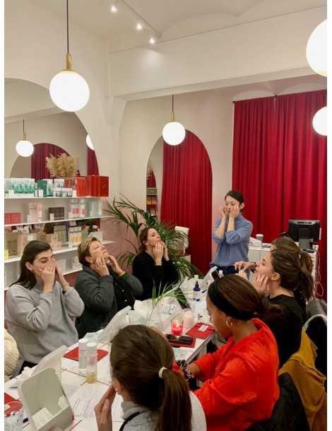 Taller de Iniciación a la Cosmética Coreana Grupo Chicas